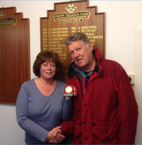 Gavin Dickie of Hydra receiving Monthly Medal from Jane Cameron